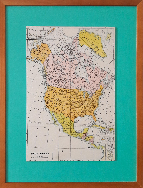 Encadrement coloré de carte vintage avec cadre bois massif