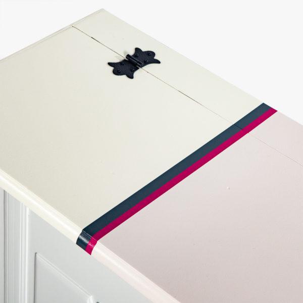 Malle de rangement design couleurs pastels et rose vif