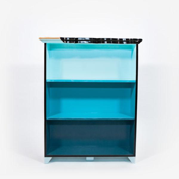 Étagère bibliothèque bleue recyclée forme originale