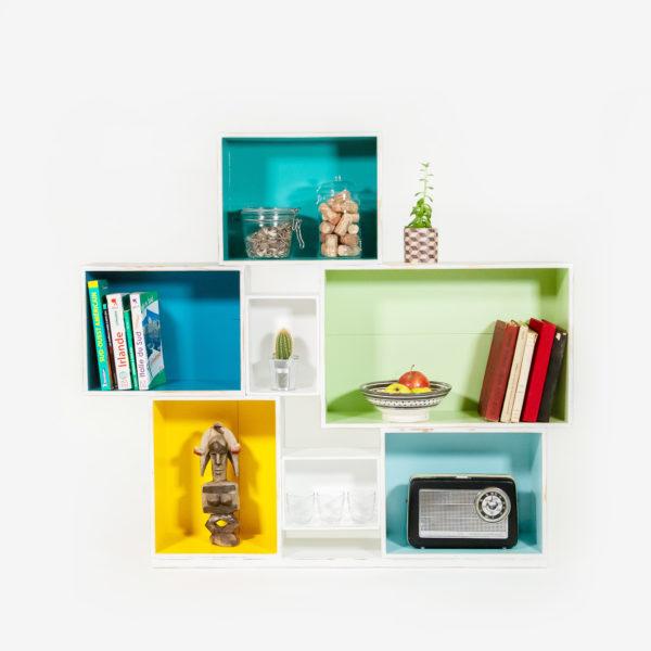 Étagère bibliothèque caisses à vin recyclées upcycling
