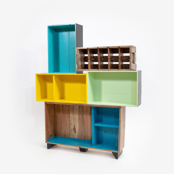 Étagère bibliothèque unique caisses colorées bois recyclé