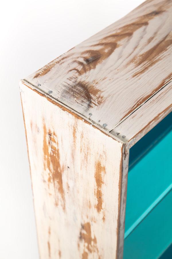 Étagère bibliothèque écoresponsable bleue bois massif effet vieilli