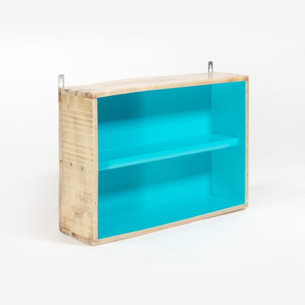Ancienne caisse reconvertie en étagère upcycling fabrication écoresponsable