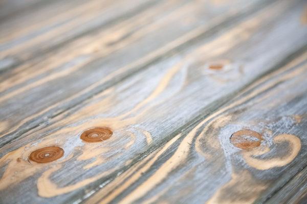Table basse bois effet vieilli meuble éthique upcycling