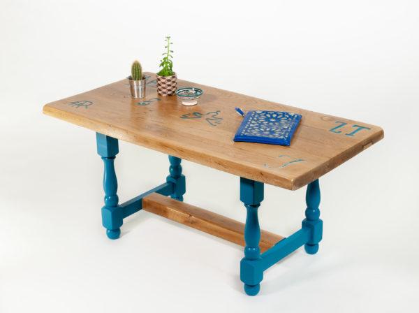 Table basse rectangulaire chêne massif inscriptions meuble éthique