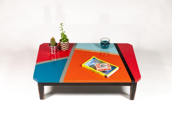 Table basse design motifs géométriques meuble éthique