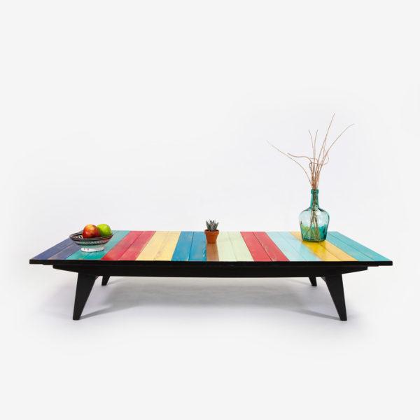 Table basse bois couleurs vives pieds compas éthique