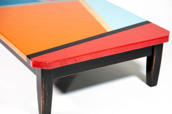 Table basse écologique multicolore motifs géométriques