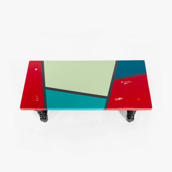 Table basse rectangulaire en chêne design géométrique