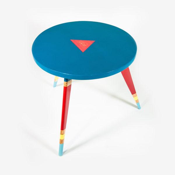 Table basse écologique ronde colorée pieds compas