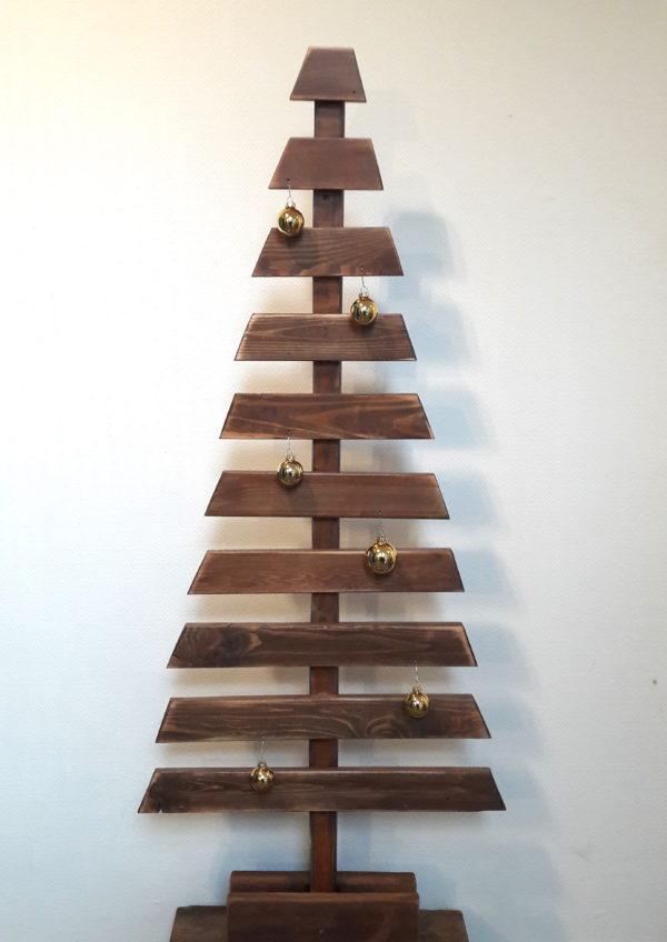 Sapins de Noël éthiques en bois recyclé