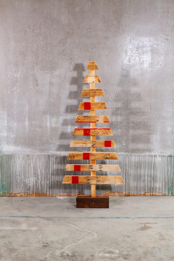Sapins de Noël écoresponsables en bois recyclé