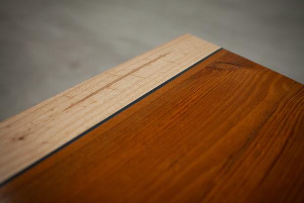 Table d'appoint en bois massif recyclé coloré design