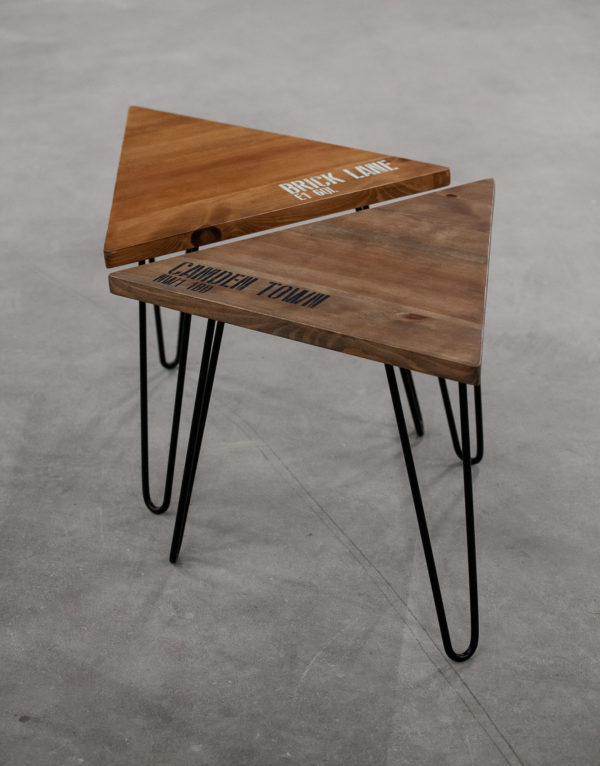 Tables d'appoint en bois écoresponsable avec motifs sérigraphiés