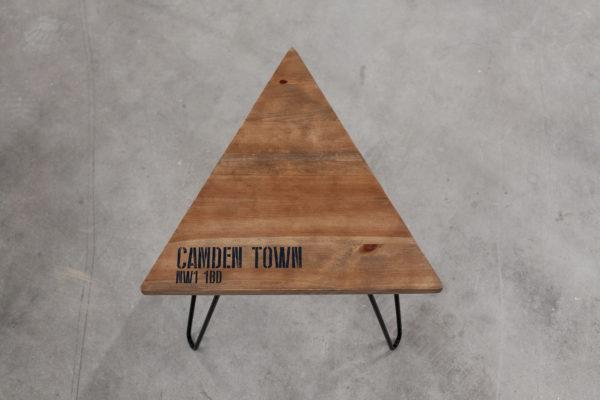 Table de chevet triangulaire tripode sérigraphié