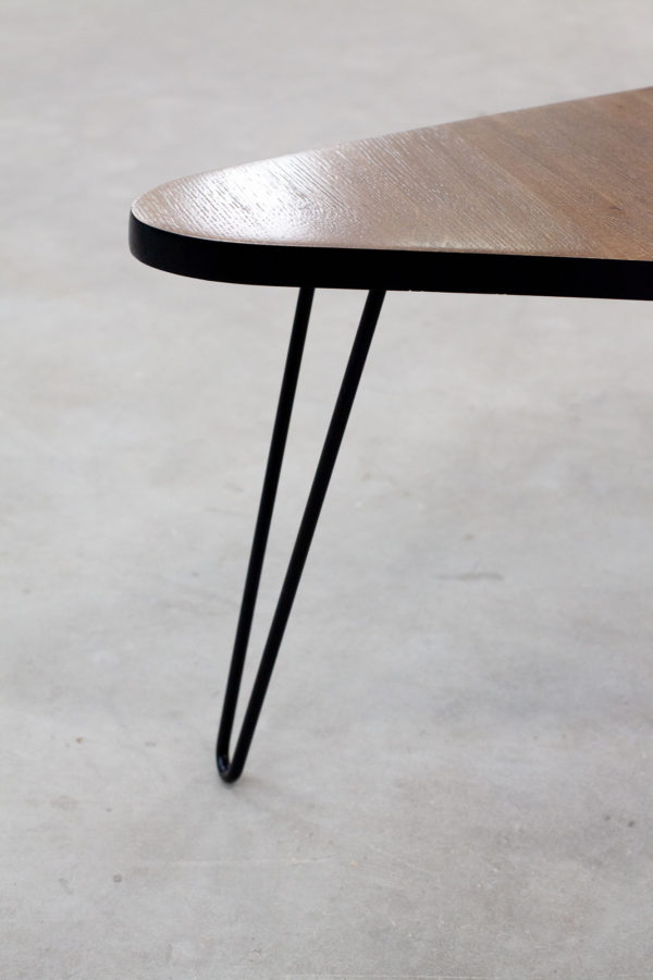 Table basse triangulaire bois massif industriel