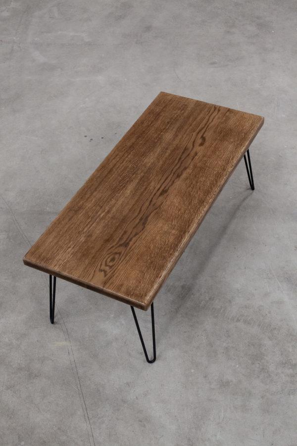 Table basse écoresponsable en chêne massif sur pieds en métal