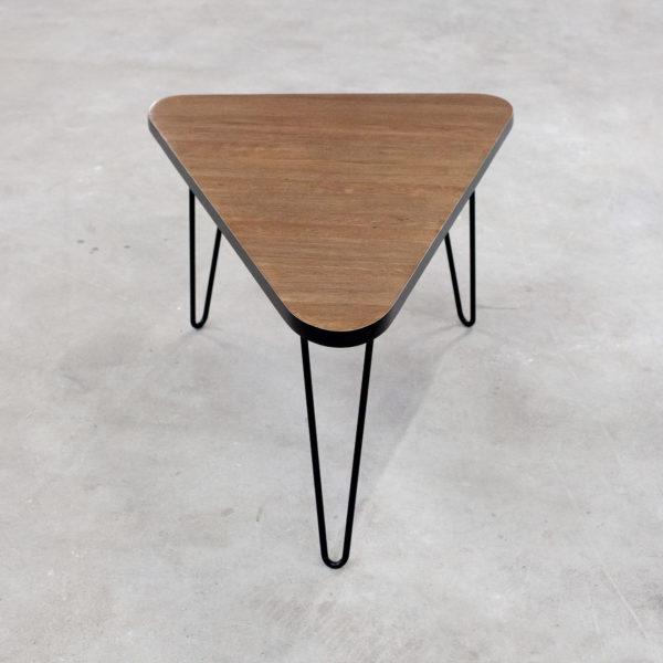 Table basse bois massif design retro et pieds acier