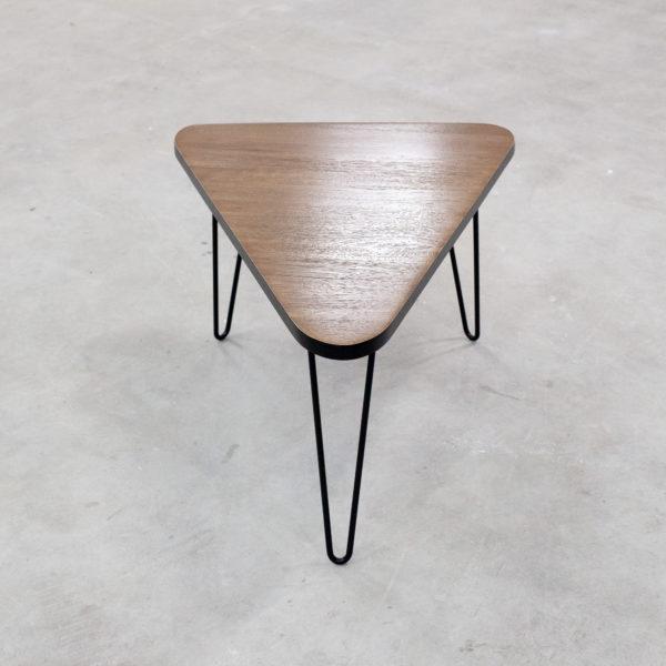 Table basse bois massif design retro piètement acier